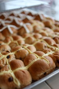 Hot Cross Buns (Seasonal)